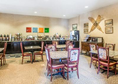 Comfort Inn Breakfast seating
