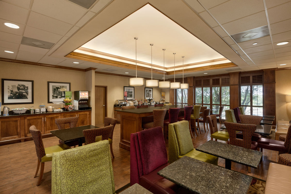 Hampton Inn St. Robert - Ft. Leonard Wood Breakfast Serving Area